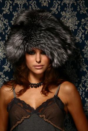 Изделие из меха Новые пушистые шапки » Меховая коллекция 2017